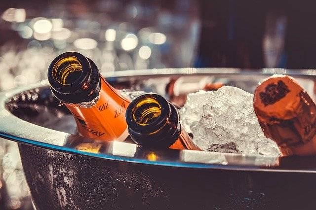 אלכוהול לאירועים ושמפניה